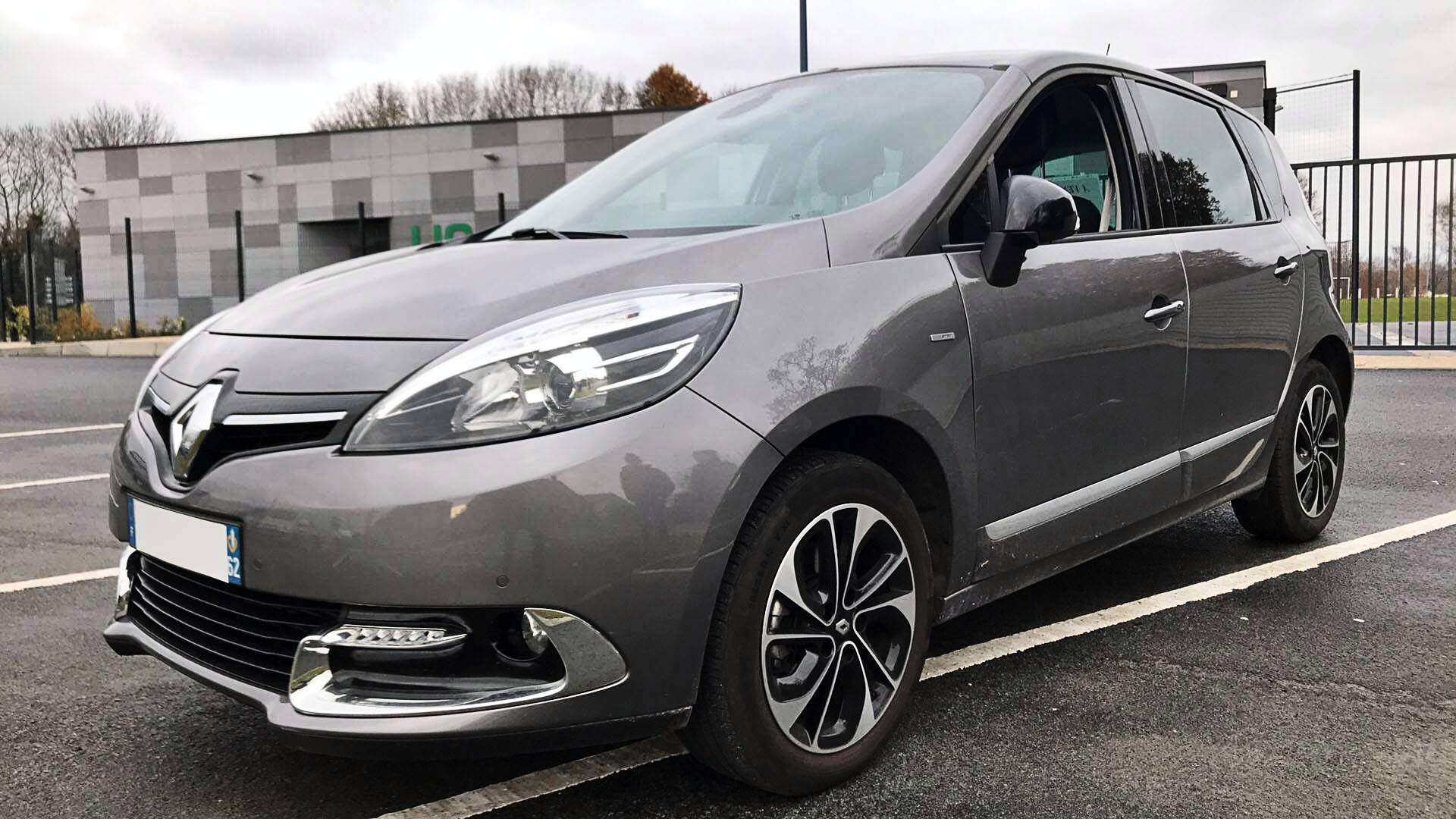 renault scenic d 39 occasion 1 2 tce 130 energy bose edition bethune carizy. Black Bedroom Furniture Sets. Home Design Ideas