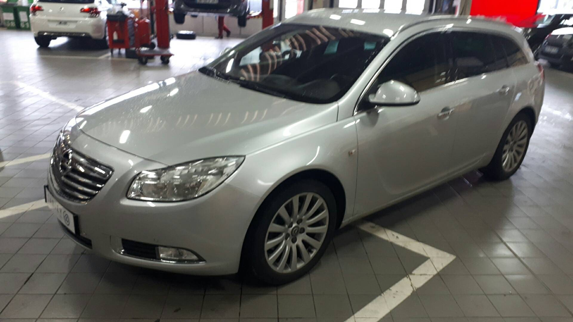 opel insignia d 39 occasion sports tourer 2 0 cdti 160 cosmo pack mulhouse carizy. Black Bedroom Furniture Sets. Home Design Ideas