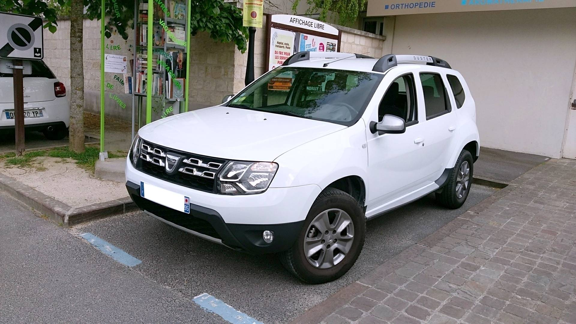 dacia duster d 39 occasion 1 5 dci 110 prestige 4x2 fr pillon carizy. Black Bedroom Furniture Sets. Home Design Ideas