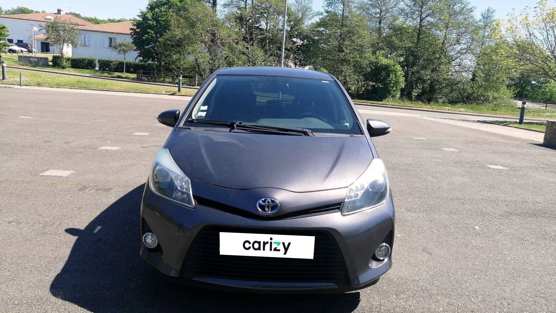 toyota yaris hybride occasion 2013 face capot