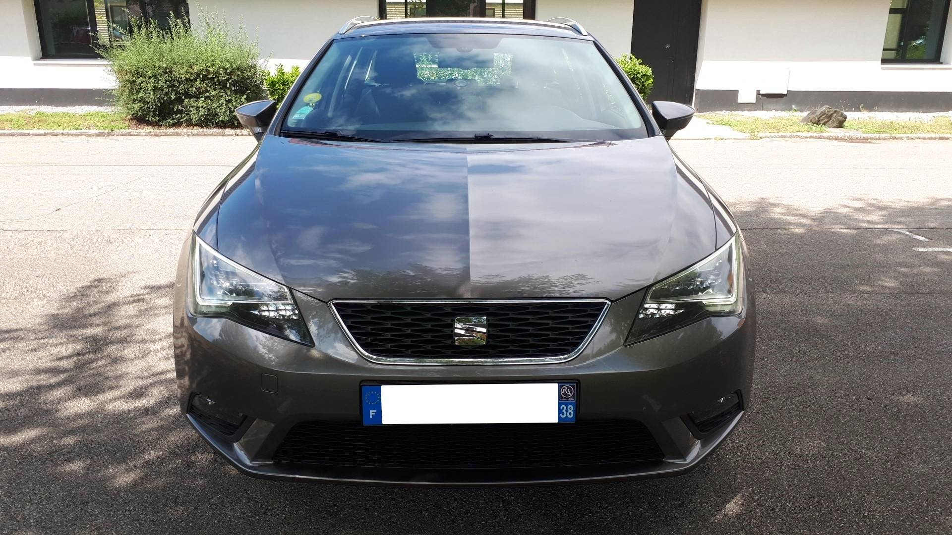 seat leon d 39 occasion st 1 6 tdi 105 style business start stop venissieux carizy. Black Bedroom Furniture Sets. Home Design Ideas
