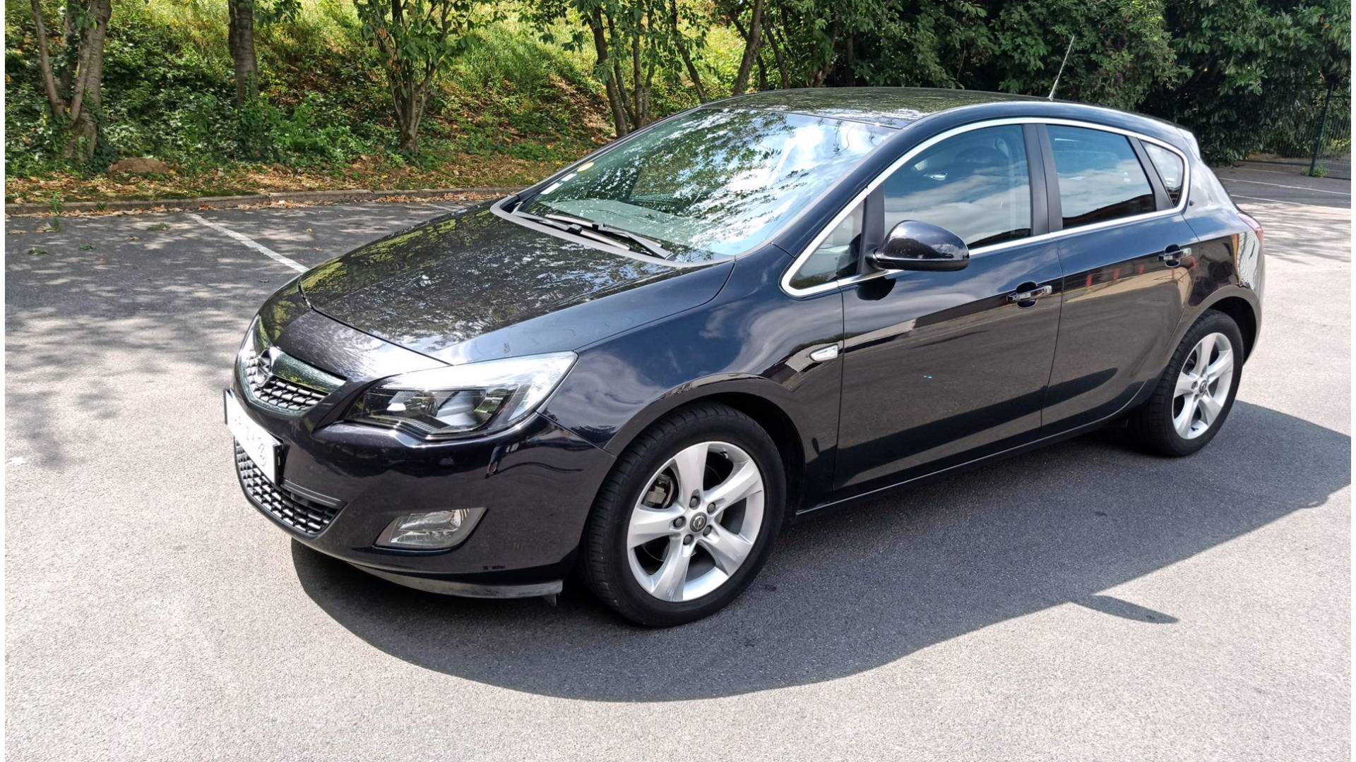 opel astra d 39 occasion 1 7 cdti 125 sport courcouronnes carizy. Black Bedroom Furniture Sets. Home Design Ideas