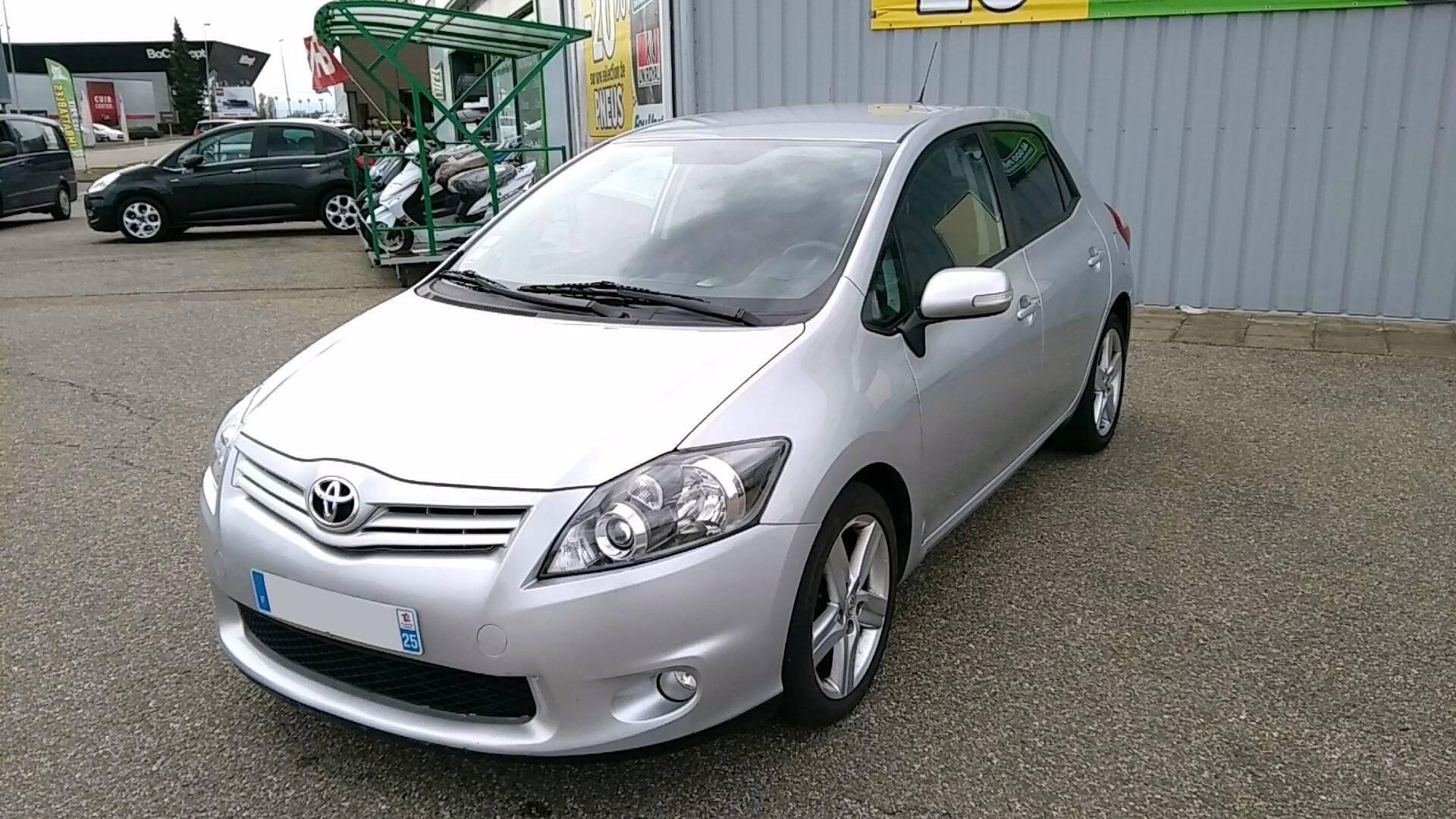 Toyota auris d 39 occasion 2 0 d4d 125 sport line lampertheim - Acheter une voiture d occasion dans un garage ...