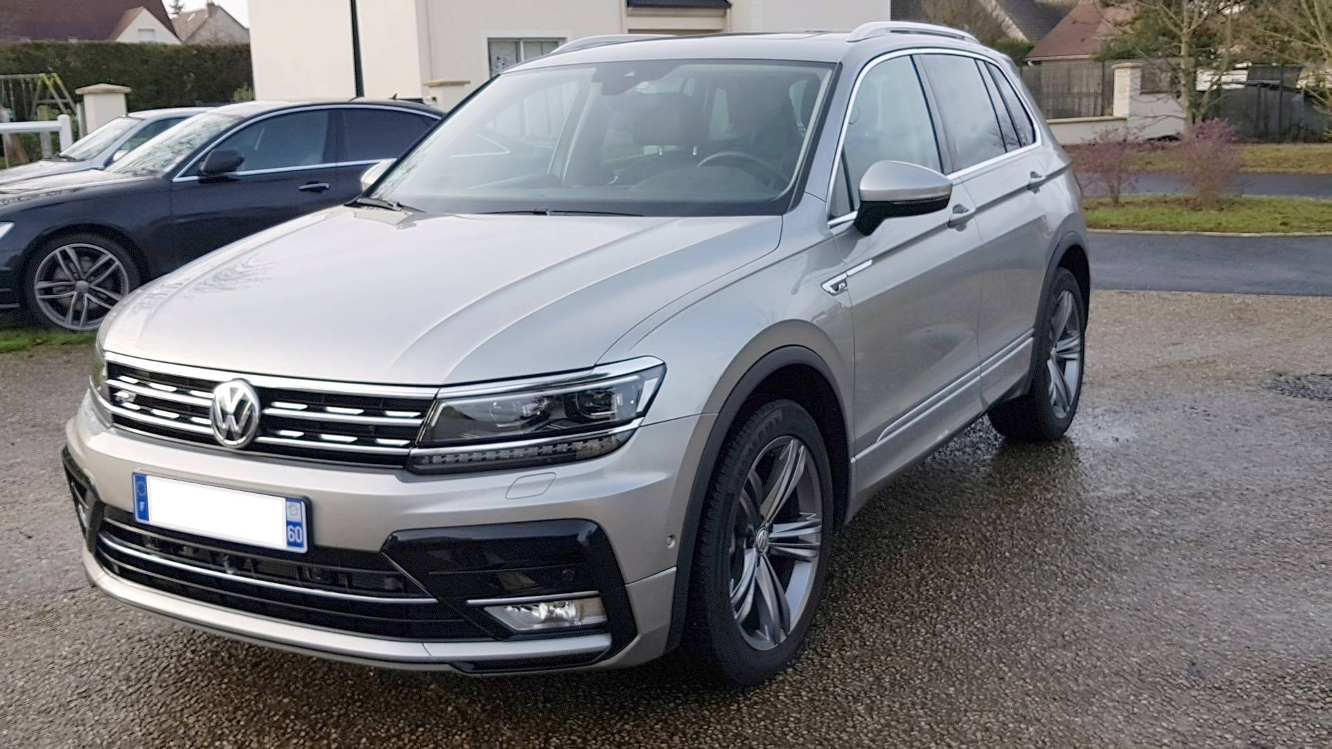 volkswagen tiguan d 39 occasion 1 4 tsi 150 bluemotion act carat dsg bva orry la ville carizy. Black Bedroom Furniture Sets. Home Design Ideas